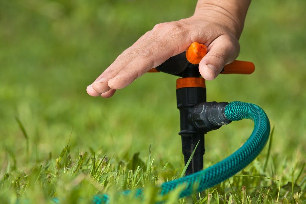 Installing a water sprinkler