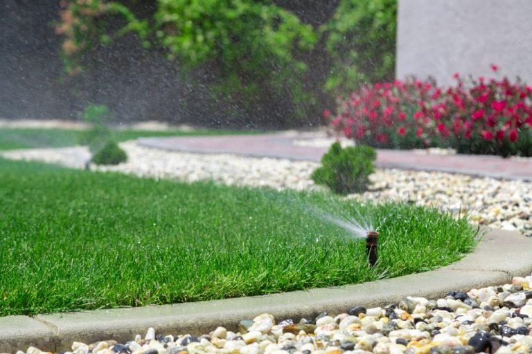 Active water water sprinkler